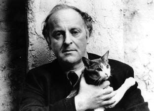 En la foto aparece Joseph Brodsky con su gato